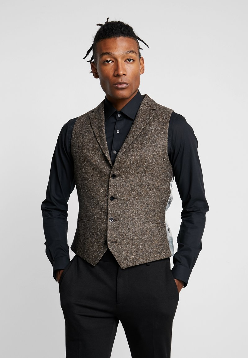 Twisted Tailor - SNOWDON WAISTCOAT - Smanicato - brown