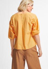 comma casual identity - Blouse - mango sorbet - 2
