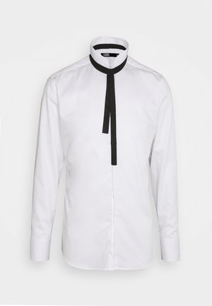 MODERN FIT - Shirt - white