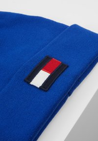 Tommy Hilfiger - BIG FLAG BEANIE POMPOM - Huer - blue - 2