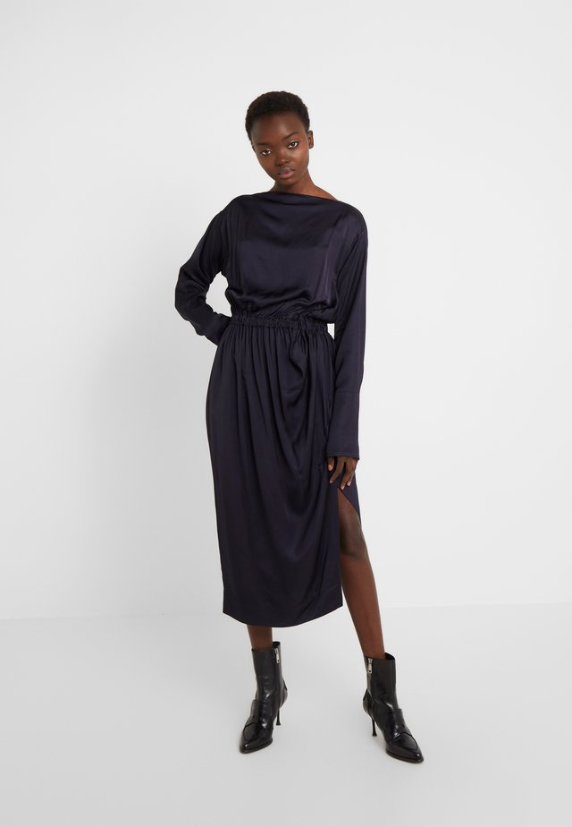 NEW FARRITA DRESS - Robe de soirée - navy