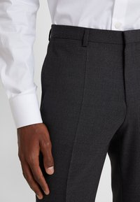 HUGO - ASTIAN HETS - Kostym - charcoal - 10