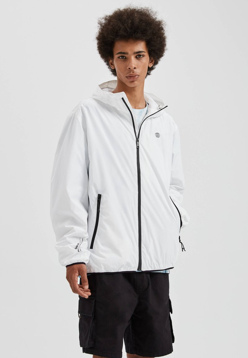 PULL&BEAR - Giacca outdoor - white