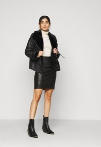 New Look Petite - CHRISSY AVIATOR - Faux leather jacket - black - 1