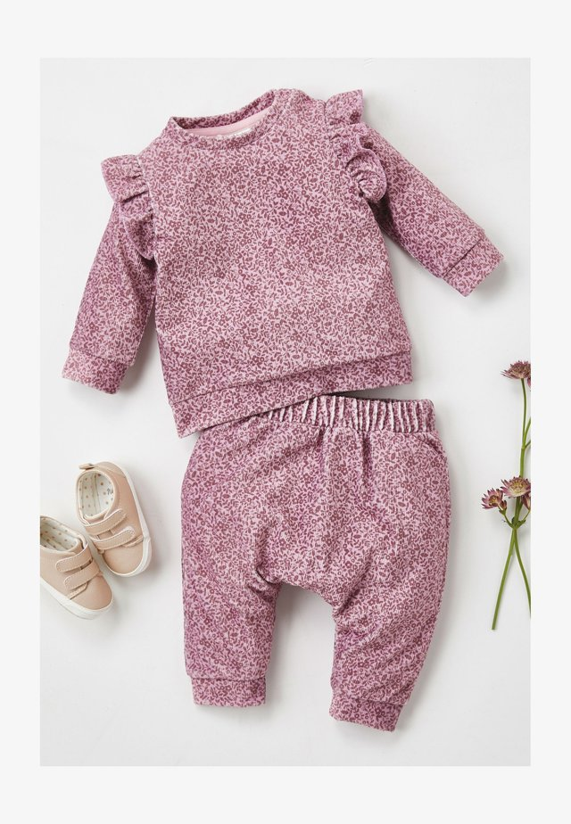 FLORAL VELOUR TOP AND JOGGERS - Leggings - Trousers - purple