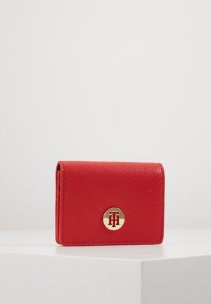 HONEY HOLDER - Peněženka - red