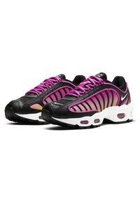 Nike Sportswear - AIR MAX TAILWIND - Sneakersy niskie - black/fire pink/dynamic yellow/white - 2