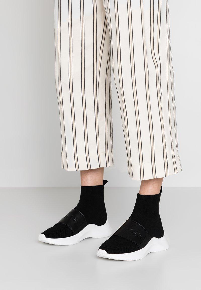Calvin Klein - UNI - Korkeavartiset tennarit - black