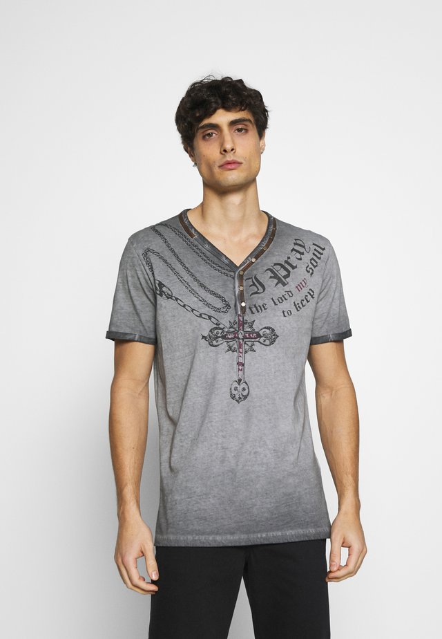 LEGACY BUTTON - T-shirt con stampa - anthracite