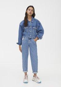 PULL&BEAR - SLOUCHY - Jeans straight leg - blue - 1