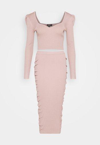 PUFF SLEEVE AND SKIRT SET - Jersey de punto - pink