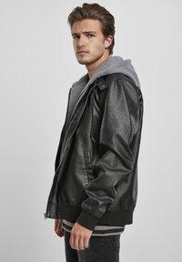 Urban Classics - MÄNNER - Faux leather jacket - black/grey - 5