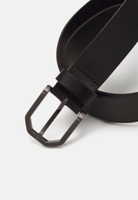 Calvin Klein - ESSENTIAL PLUS FACETED - Belt - black - 2