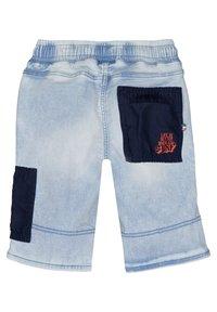 Vingino - CRUZ - Denim shorts - light indigo - 4
