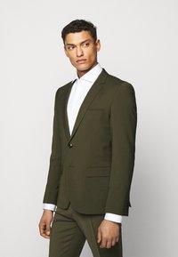 HUGO - ARTI HESTEN - Suit - dark green - 2