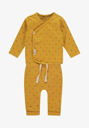 Suit - honey yellow
