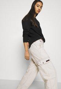 BDG Urban Outfitters - BLAINE SKATE - Pantalones cargo - ecru - 3