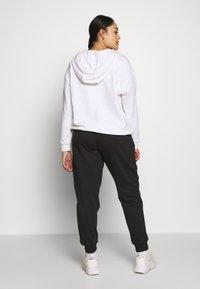Even&Odd Curvy - Pantalones deportivos - black - 2
