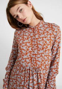 YAS - YASCARLA  - Shirt dress - bombay brown - 5