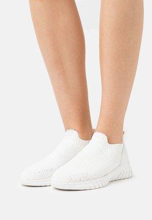 GRACE - Zapatillas - white