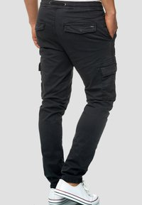 INDICODE JEANS - BROADWICK - Cargo trousers - black - 2