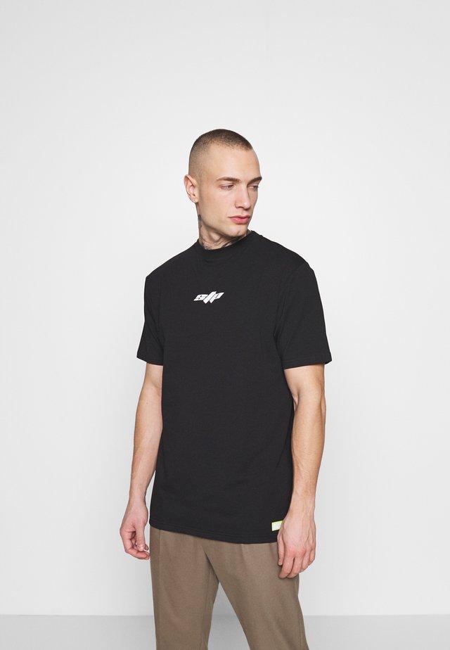 HYPER - T-shirts med print - black