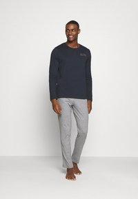Marc O'Polo - LOUNGESET CREW NECK - Pyjamas - blue - 1