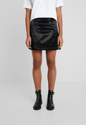 WHALE - Áčková sukně - black