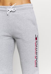Tommy Hilfiger - BIG LOGO - Pantalon de survêtement - grey