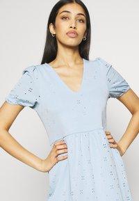 Vila - VITAMARA SHORT BRODERI DRESS - Denní šaty - blue - 4