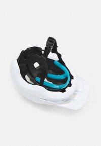 POC - AXION SPIN UNISEX - Helmet - matt white - 3