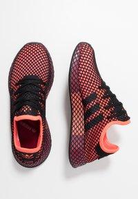 adidas Originals - DEERUPT RUNNER STREETWEAR-STYLE SHOES - Joggesko - solar red/core black/collegiate burgundy - 1