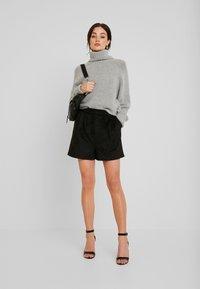 Forever New - Shorts - black - 1