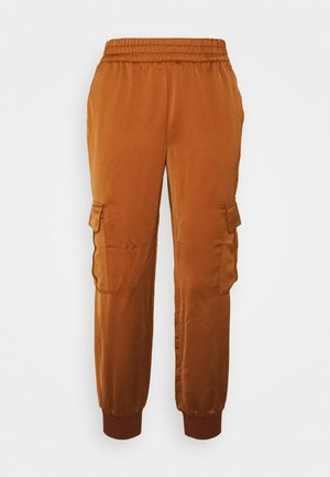 LUXE JOGGER - Tracksuit bottoms - the right spice