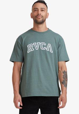 TEAMSTER  - Print T-shirt - balsam green