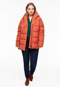 Triangle - MIT SCHALKRAGEN - Winter jacket - orange - 1