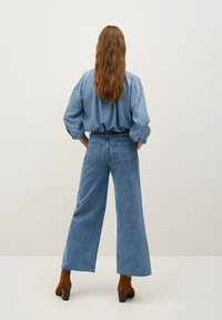 Mango - CAROLINE - Flared Jeans - middenblauw - 2