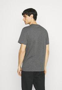 Lacoste - Basic T-shirt - touareg - 2