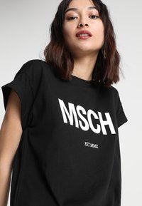 Moss Copenhagen - ALVIDERA DRESS - Jersey dress - black/white - 4