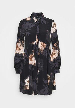 LISA SMOCK SHIRT DRESS  - Blousejurk - black