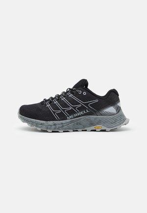 MOAB FLIGHT - Zapatillas de trail running - black