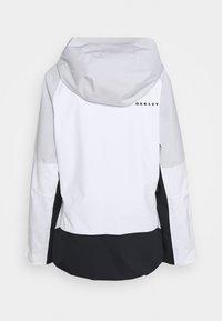 Oakley - CAMELLIA SHELL JACKET - Snowboard jacket - white/grey - 1