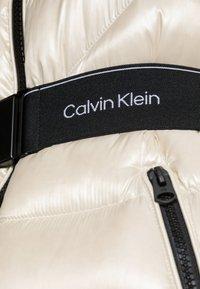 Calvin Klein - LOFTY COAT - Down coat - bleached stone - 5