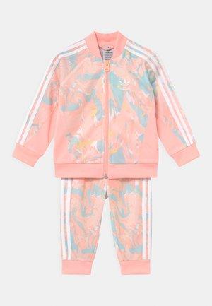 SET - Chaqueta de entrenamiento - pink tint/multicolor/haze coral