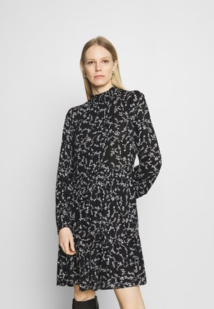 SAMA AMBER DRESS - Kjole - black/chalk