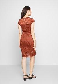 MAMALICIOUS - MLNEWMIVANA DRESS - Vestido de cóctel - arabian spice - 2