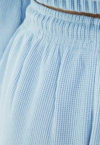 Bershka - MIT WAFFELSTRUKTUR - Shorts - dark blue - 4