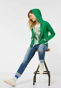 Cecil - Zip-up hoodie - grün - 2