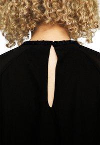 Vero Moda Curve - VMINGA  - Blouse - black - 7