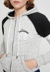 Hollister Co. - CORE - Zip-up hoodie - heather grey - 5